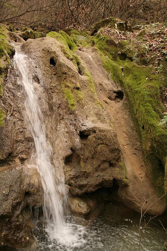 Cascada pe Jitin