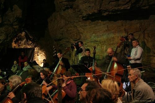 Orchestra canta