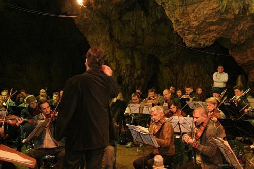 Poze din Concertul din Pestera Romanesti de anul trecut